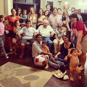 Encontros frequentes, família unida. Pais, avôs e bisavôs imensamente amados. (2014)